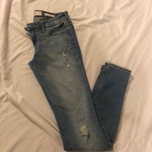 HOLLISTER Stretch Low Rise Super Skinny Jeans